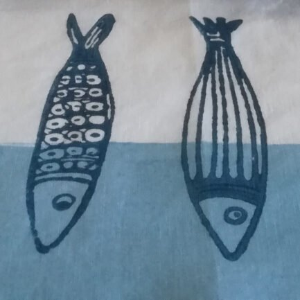Tea towel with sardines design - detail